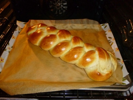 Challah loaft baked for 20 minutes